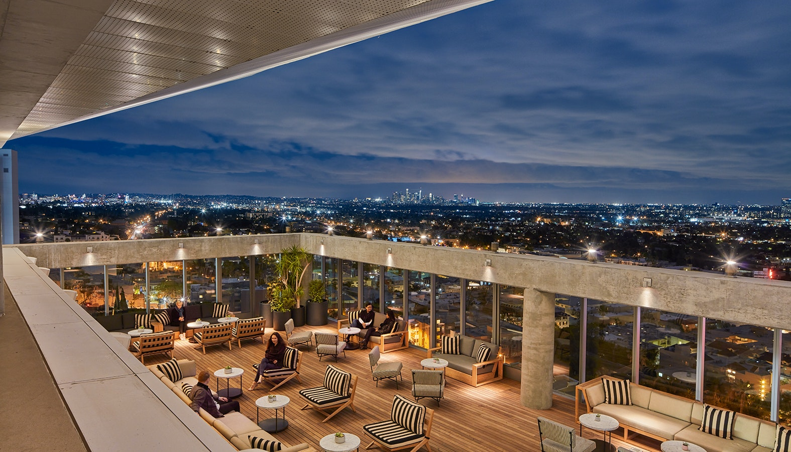 Harriet's Rooftop at The Jeremy Hotel